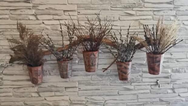 Уникальный декор на стену из самых простых материалов