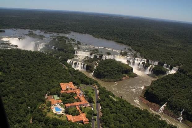 Вид сверху с Бразильской стороны: аргентина, бразилия, водопады