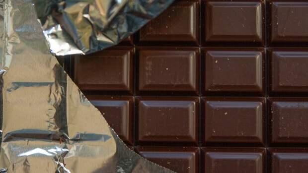 Врачи признали молочный шоколад бесполезным при снижении давления