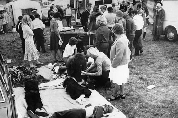 Тайна до сих пор окружает инцидент на выставочном центре Холлинвелл 13 июля 1980 года, когда сотни детей упали в обморок.