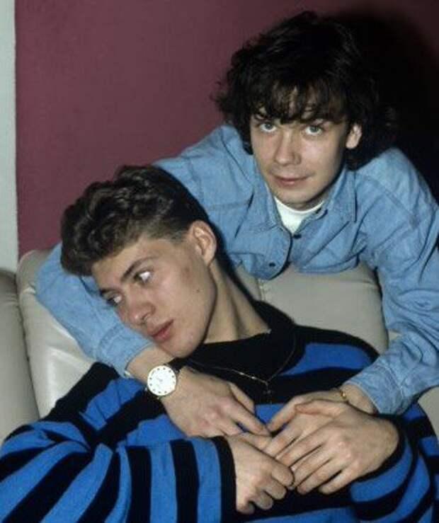 """Газета """"Лос-Анджелес Таймс"""" об отношению к гомосексуальности в России в 1992 году."""