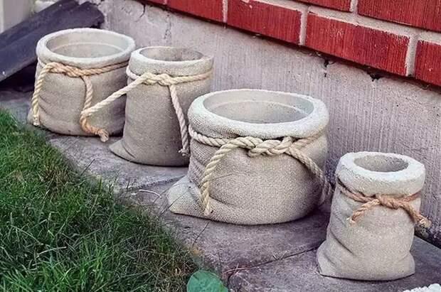 Простые украшения из цемента для сада