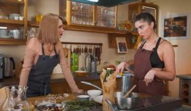 «Долго этого ждала»: Утяшева и Муцениеце горячо порезвились на кухне