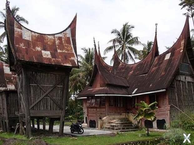 Традиционный дом минангкабау