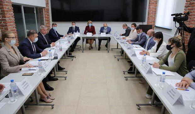 Губернатор Голубев пообещал поддержку предпринимателям саксайских рынков