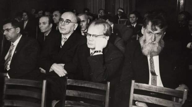 ДОСЬЕ: К 110-летию со дня рождения заслуженного деятеля культуры Беларуси Василя Витки.