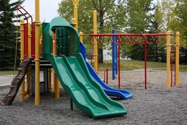 Детскую площадку на Дмитровке привели в порядок