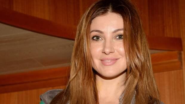 Актриса Анастасия Макеева обвинила жену своего жениха в продажности