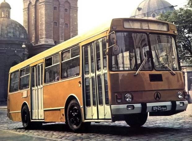 Почему Советский ЛАЗ-4202 имел срок службы всего 3 года