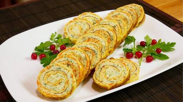 Яично-сырный рулет с мясной начинкой: вкусно и сытно.