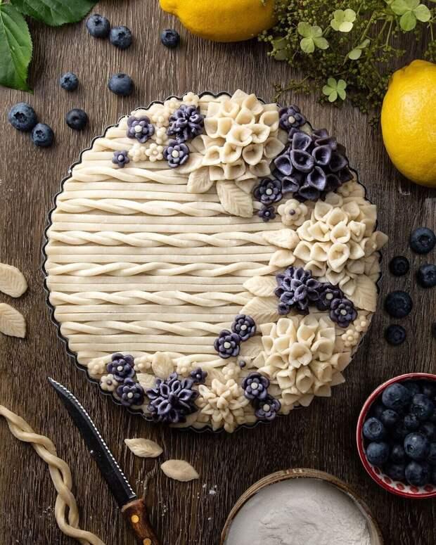 Шедевры оформления пирогов от batterednbaked (инст)