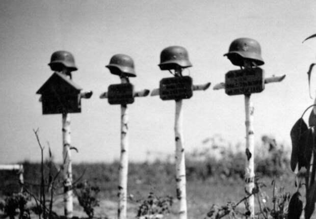 «Хоронили столько солдат, сколько помещалось вяму»: оботличиях немецких исоветских могил