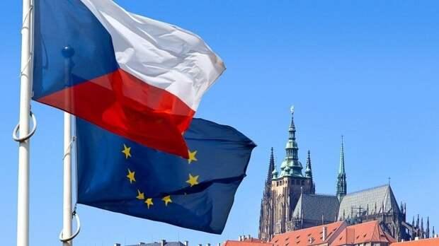 Лавров: Чехия позорно расхлебывает историю взрывов семилетней давности