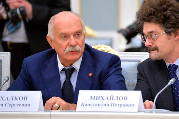Кремль оценил инициативу Михалкова лишать гражданства за призыв к санкциям