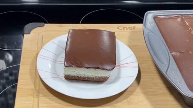 Простой рецепт шоколадного торта с кремом и пропиткой как «Киндер Делис»