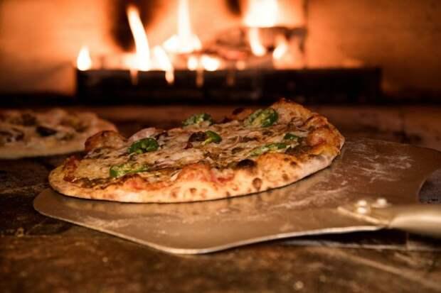 Идея для дачи: как на скорую руку сделать уличную печь для пиццы
