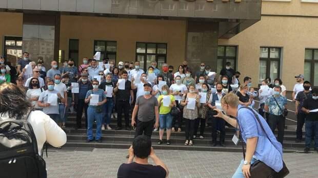Более 100 бизнесменов с аксайских рынков подали заявления в прокуратуру