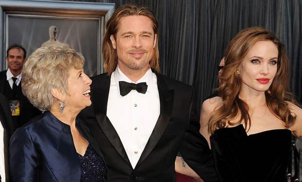 """""""Анджелина недолюбливает маму Брэда"""": почему дети Джоли и Питта четыре года не виделись с бабушкой и дедушкой"""