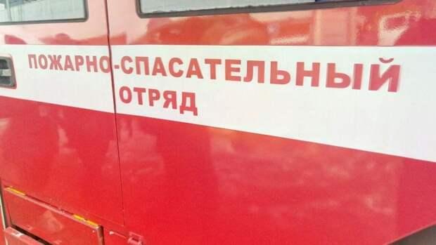 Крыша частной гостиницы загорелась в Серпухове