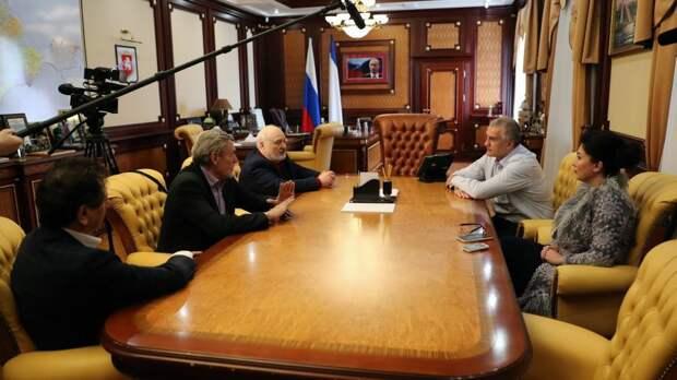 Арина Новосельская приняла участие во встрече Сергея Аксёнова с ректорами и профессорами вузов культуры – известными деятелями искусств России