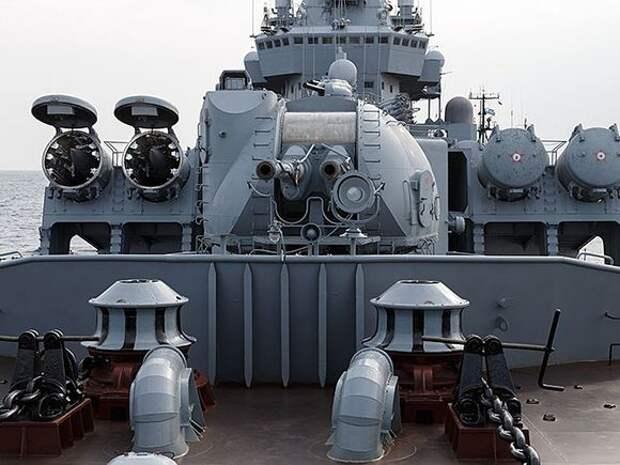 Ракетный крейсер «Москва» отправился на учения на фоне отправки в Черное море патрульного корабля США