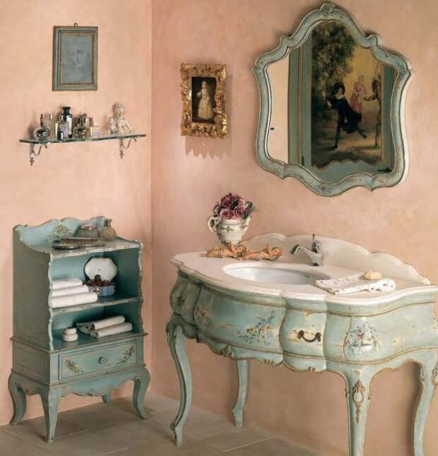 Любителей стиля шебби-шик такой мебельный гарнитур точно порадует. | Фото: interiorsherpa.com.