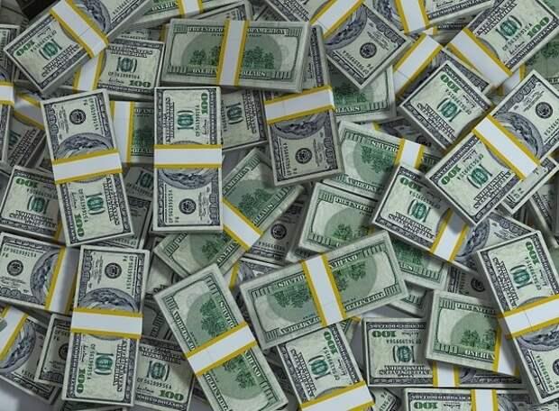 ЦБ зафиксировал трёхкратный рост оттока капитала из России