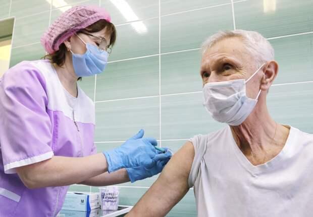 Вакцинироваться придется постоянно: эксперты о жизни после пандемии