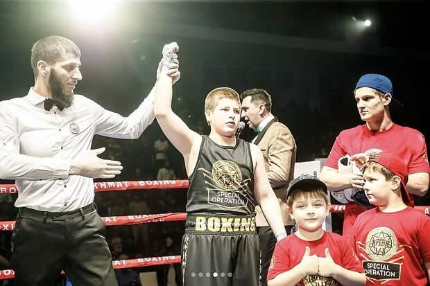 «Нокаут без нокаута»: в сети глумятся над «победой» сына Кадырова
