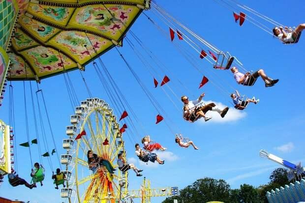 Парки и аттракционы откроют с 13 июля в Москве