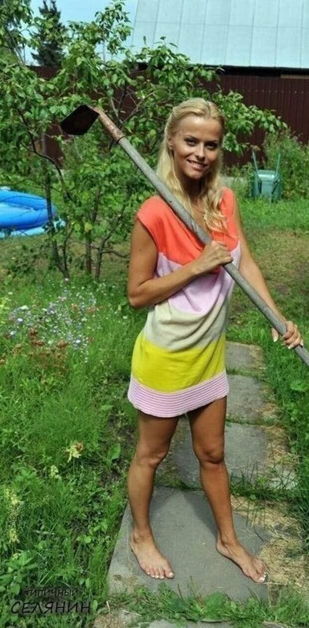 8. Как же им идет этот садовый инструмент дача, дачница, девушка, лейка, лето, огород, отдых, природа