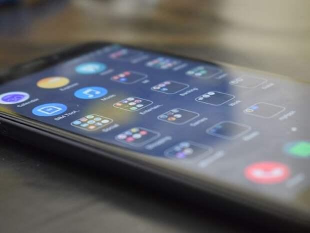 Более 120 телефонов на 1млн рублей вынесли из магазина на Кутузовском проспекте
