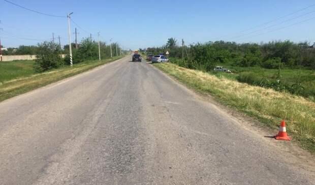 Четверо подростков перевернулись на угнанном автомобиле в Ростовской области