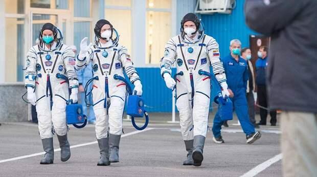 Российский экипаж МКС вернулся на Землю