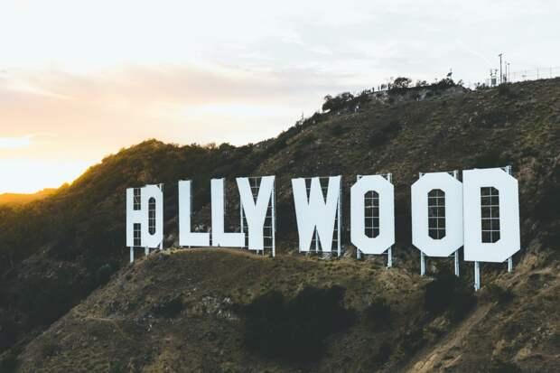 """Надпись """"Голливуд"""""""