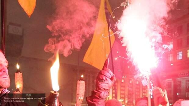 В Киеве сожгли нацистские флаги в день начала Великой Отечественной войны
