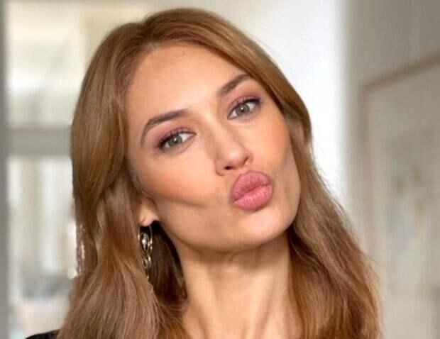"""Девушка Бонда Куриленко в латексном пиджаке поразила внешностью: """"Правда, украинки самые красивые"""""""