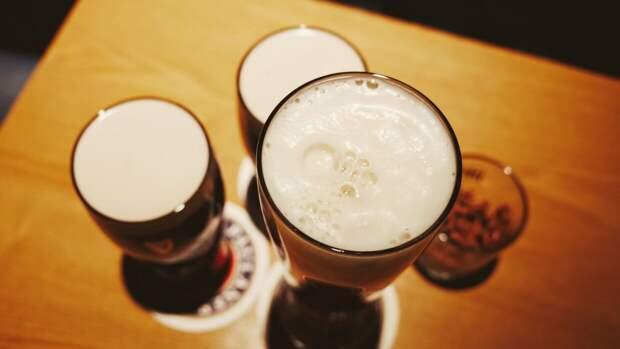Каждому британцу нужно выпить по 70 литров пива для спасения барной отрасли
