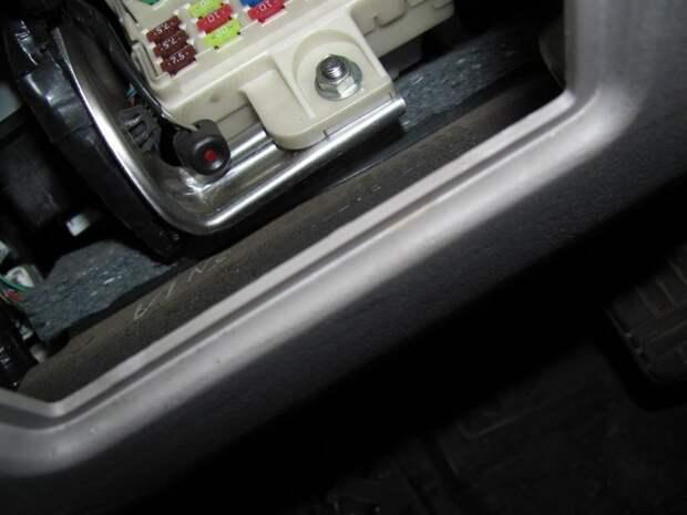Для чего необходима в автомобиле кнопка «Валет» и где она расположена