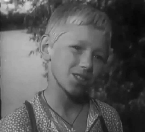 """С. Морозов в фильме """"На графских развалинах"""" (1957)"""