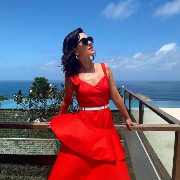 Марина Кравец - самая смешная женщина российского телевидения в красном платье