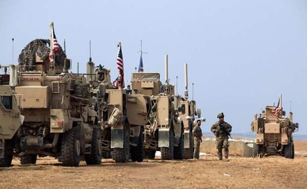 На фото: войска США на военной базе недалеко от города Таль-Тамр на северо-востоке Сирии
