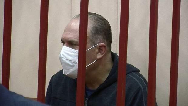 Суд закрыл уголовные дела против двух экс-губернаторов