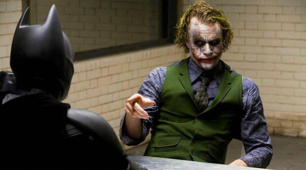 Главный вклад в создание современного голливудского мифа о Джокере принадлежит, безусловно, <b>Хиту Леджеру</b> (фильм «Тёмный рыцарь», 2008 год). Леджер первым вытащил на первый план темную суть персонажа, которая прежде была лишь поводом для его жестоких выходок. Трагическая смерть актера окончательно перевела его роль в статус канона.