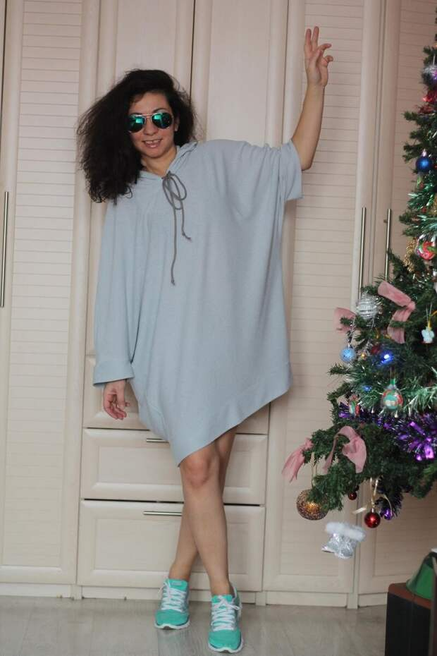 Женщина в мешковатом платье-худи. /Фото: 3.bp.blogspot.com