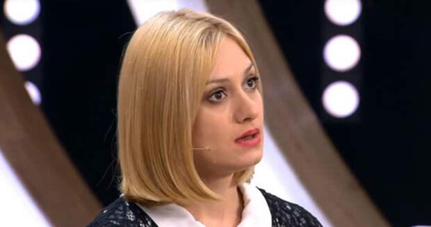 Сам Спартак Мишулин помогал Наталье Дрожжиной с жильем, а его дочь готова вступиться за неё