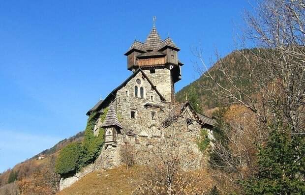 Величавый замок Фалькенштайн