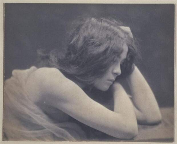 Чувственные фото девушек 1900-х годов