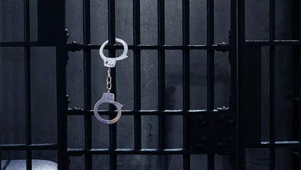 В Ялте полицейские задержали трех женщин в федеральном розыске