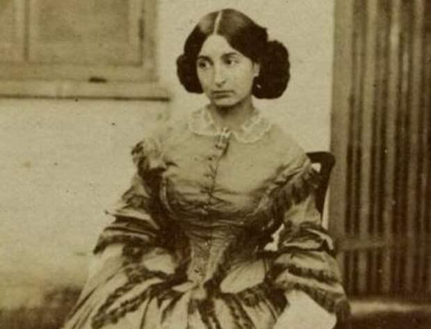 Фото: kulturologia.ru младшая дочь писателя Виктора Гюго - Адель